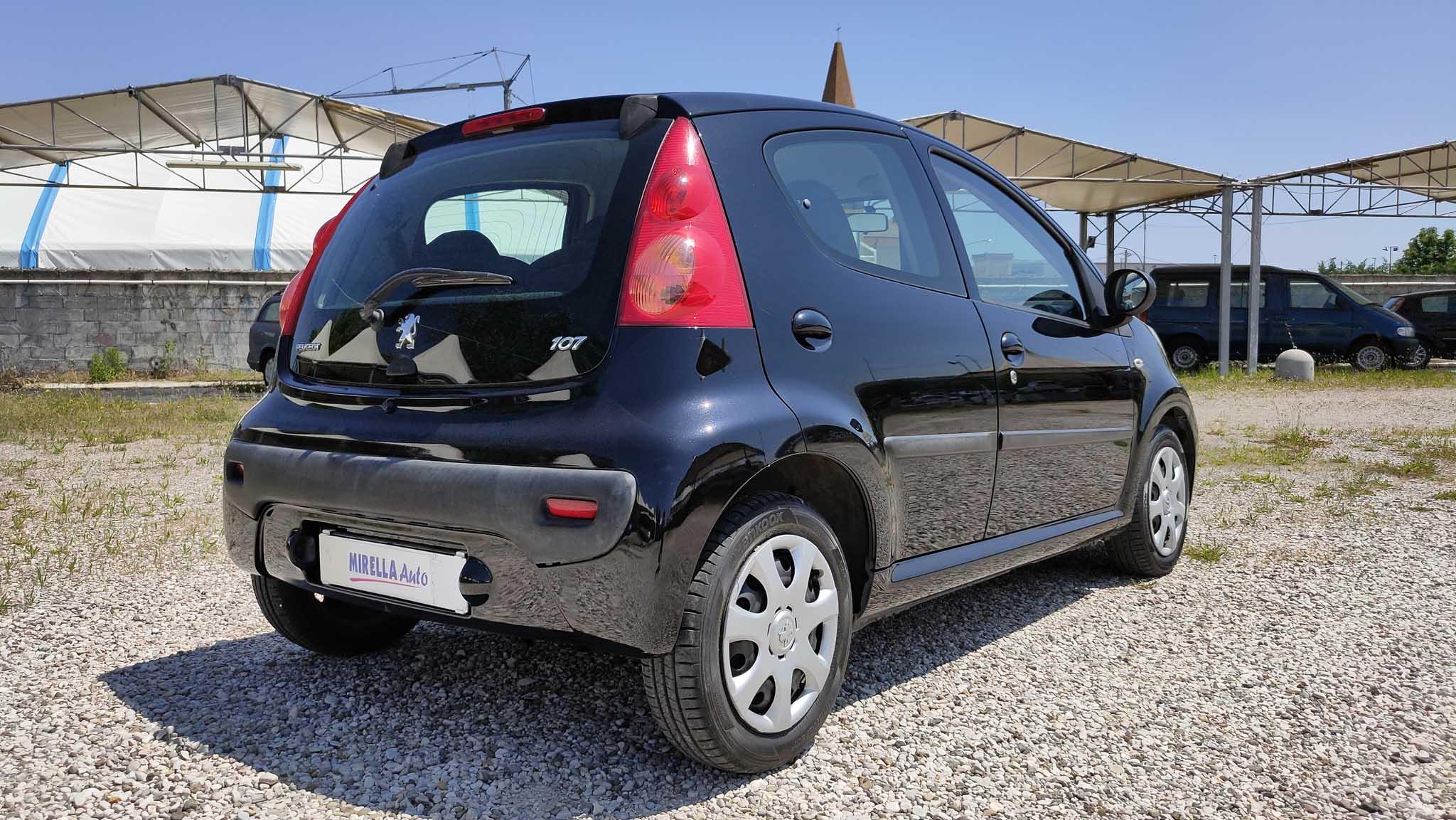 107-nera-mirella-auto-8